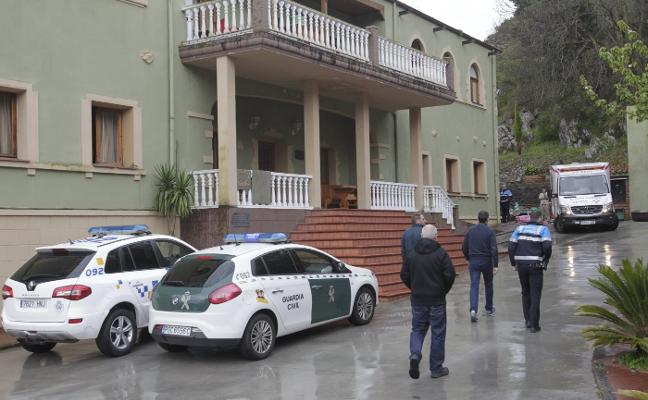 Herido grave tras ser sepultado por un muro en Oviedo