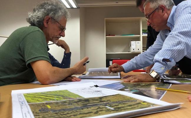 La mejora de la carretera de El Regueral incluirá las peticiones vecinales
