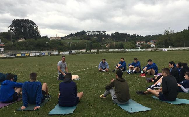 Los juveniles del Hispano se forman en técnicas de emergencias sanitarias