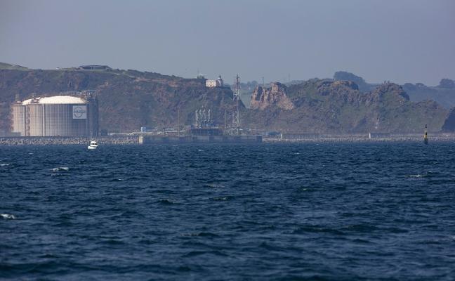 Puertos del Estado reclamará al Gobierno que agilice la tramitación de la regasificadora