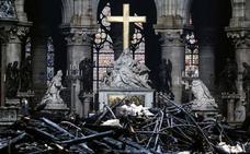Así ha quedado el interior de la Catedral de Notre Dame de París tras el incendio