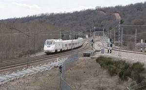 Renfe cancela 46 trenes en plena operación salida de Semana Santa