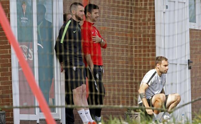 José Alberto pone intensidad al entrenamiento matinal en Mareo