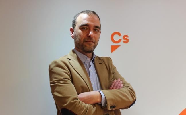 Ciudadanos Corvera presenta al exguardia civil David Robles como candidato a la alcaldía