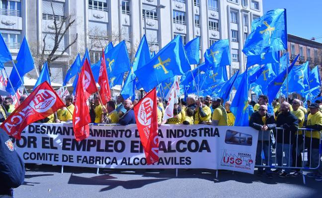 Alcoa pierde 176 millones de euros hasta marzo y lo achaca a los cierres en Avilés y La Coruña