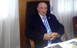 Fallece el insigne escritor mierense Julián Burgos Pascual