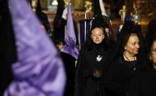 La procesión de la Virgen de la Soledad en Oviedo