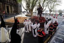 Gijón madruga para acompañar a la Soledad
