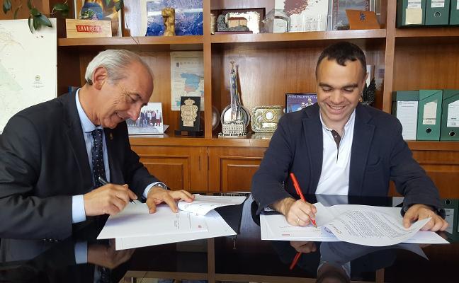 El Ayuntamiento de Corvera firma un convenio con la Cámara para asesorar a emprendedores