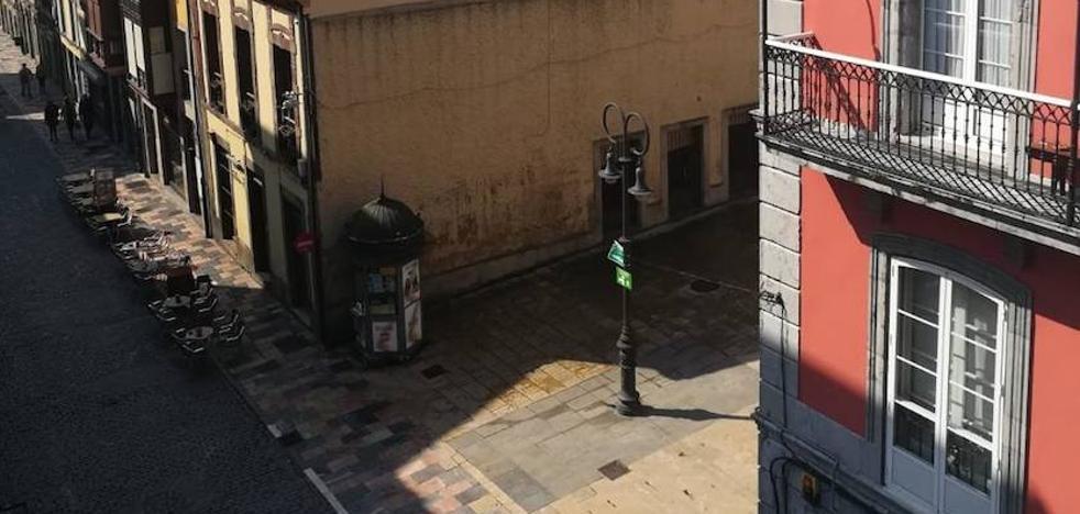 Un detenido y tres heridos tras una pelea en la calle Rivero de Avilés