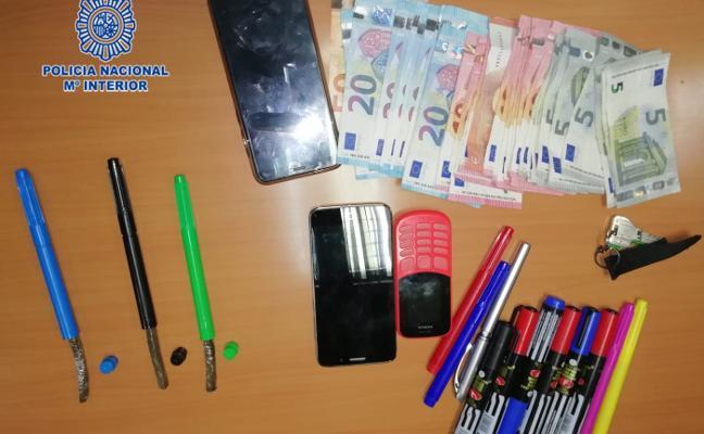 Detienen a un hombre por vender hachís que ocultaba en bolígrafos y rotuladores