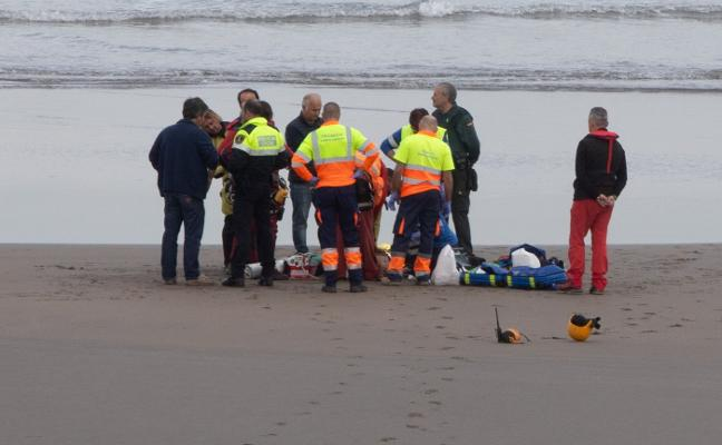 Los bomberos denuncian que continúan sin equipo para los rescates en el mar