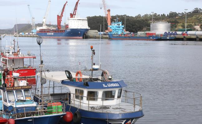 Los tráficos en los muelles portuarios caen un 4,1% en el primer trimestre