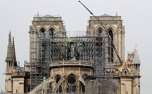 La policía halló colillas en los andamios donde surgió el fuego de Notre Dame