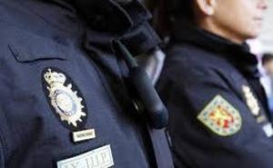 Detenido tras forzar la entrada de un bar para robar la recaudación en Gijón