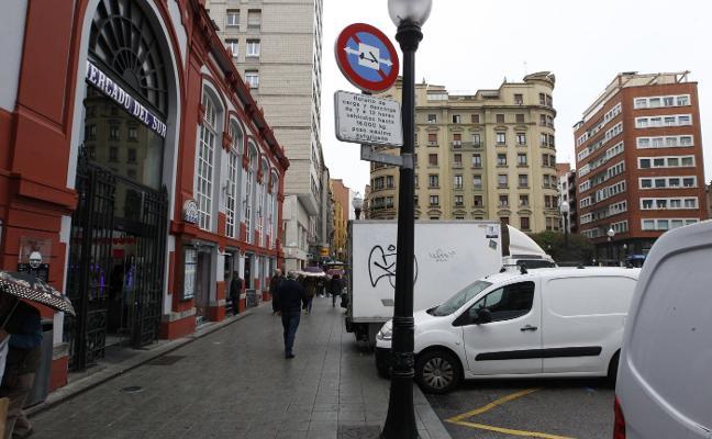 Las zonas de carga y descarga dejarán de estar disponibles a mediodía en Gijón