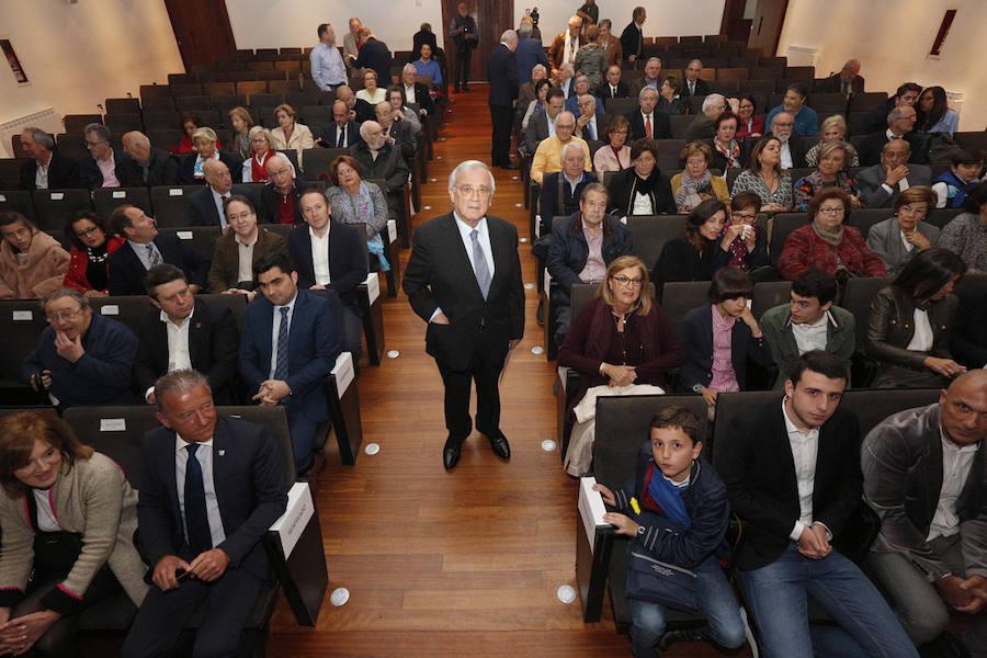 Villaviciosa nombra Hijo Predilecto al periodista Evaristo Arce