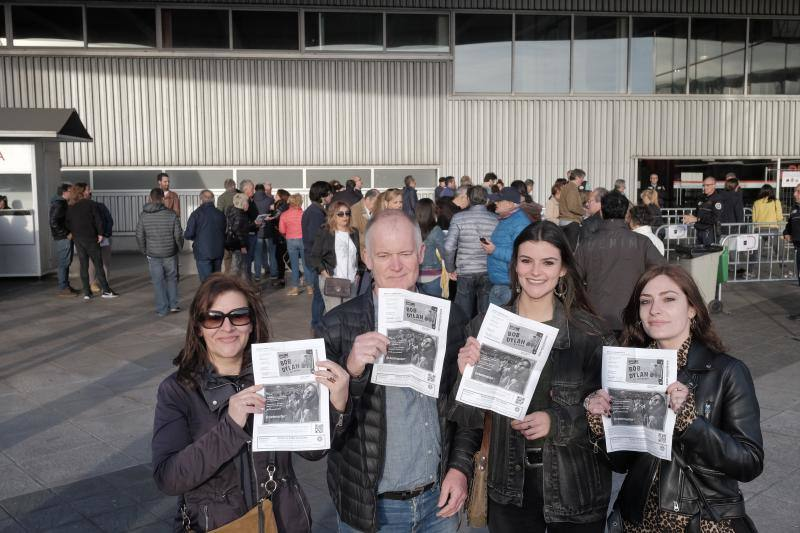 Colas para el concierto más esperado, Bob Dylan en Gijón