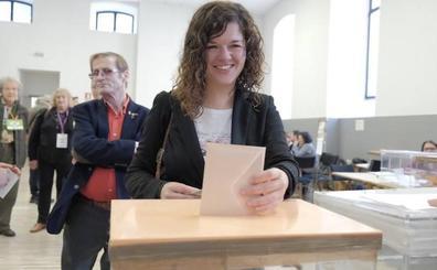 Sofía Castañón: «Es un día clave para votar con una sonrisa y todo el convencimiento»