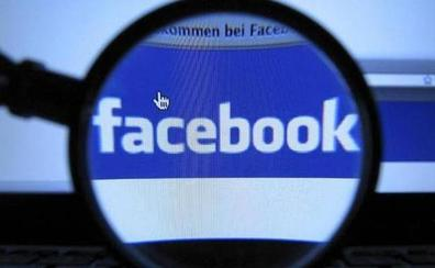Una gijonesa, condenada a pagar más de 2.000 euros por insultar en Facebook a los policías que la protegían