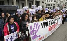 Jóvenes 'infiltrados' en las grandes fiestas de Asturias para frenar las agresiones sexuales