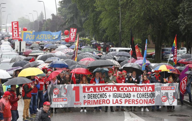 Multitudinaria manifestación del 1 de Mayo en Mieres