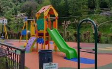 El parque infantil de Belmonte de Miranda estrena tirolina