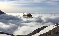 Evacuados en helicóptero al refugio del Urriellu un grupo de senderistas desorientados
