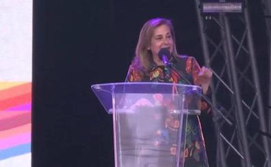 La presidenta de la Diputación de Pontevedra «se marca un Ana Botella» con un discurso en inglés