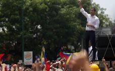 Guaidó moviliza al pueblo para ablandar el corazón del Ejército