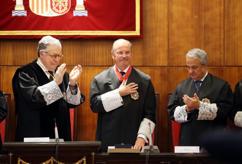 El juez Pérez Villamil recibe la más alta condecoración del Ministerio de Justicia