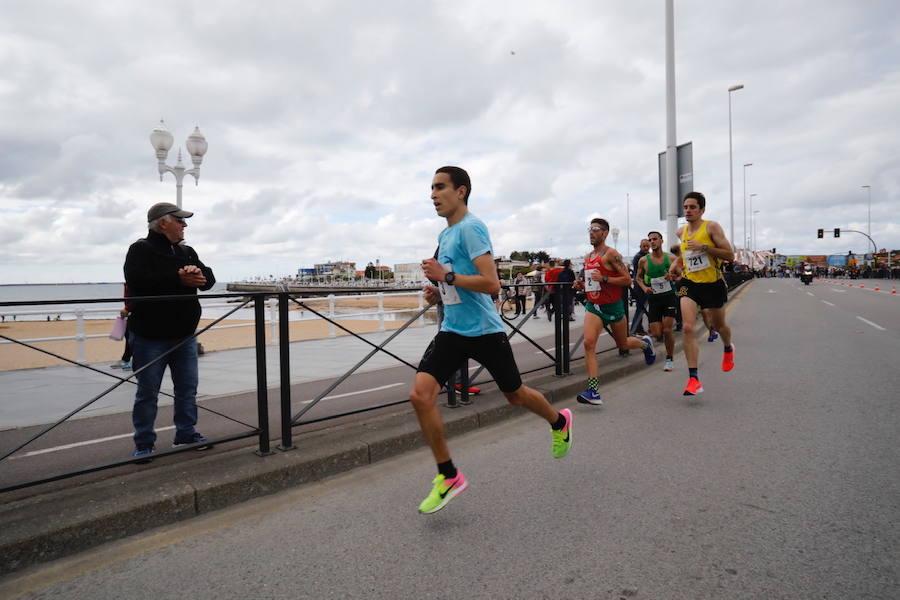 Más de 2.000 atletas corren la 'Villa de Jovellanos'