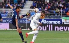 El Valencia revive y envía al Huesca a Segunda