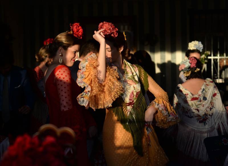 Colorido y famoseo en la Feria de Abril