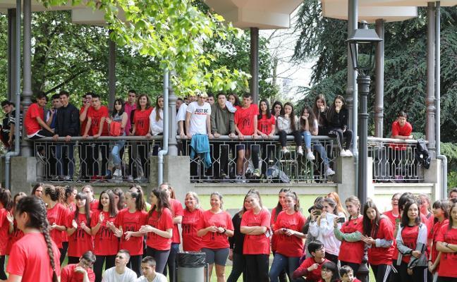 Quinientos contra el racismo en el parque de Ferrera