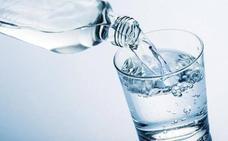 Muere de un infarto por beber agua fría tras hacer deporte