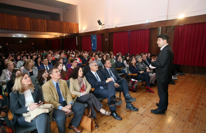 Premio a los Paparazzi de la Tabla Periódica en Oviedo