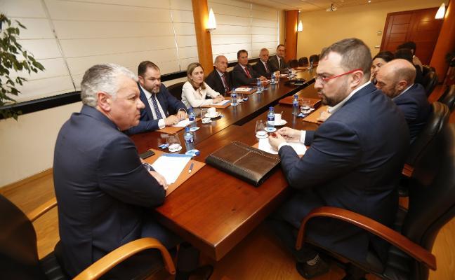 La política energética e industrial aviva las diferencias entre Principado y FSA