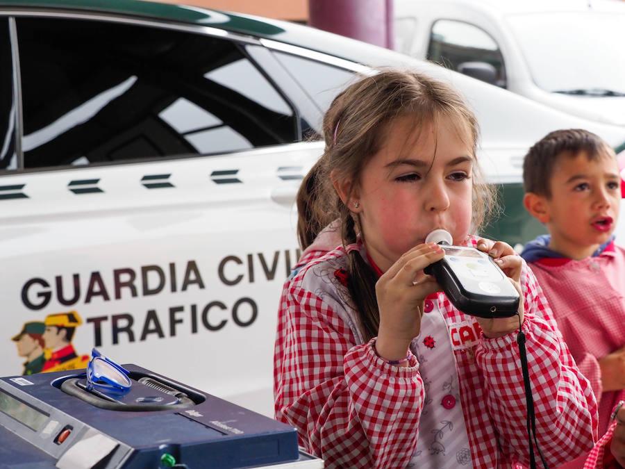 Clase de seguridad con la Guardia Civil en Gijón