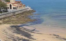 Nuevos restos de carbón en la playa de San Lorenzo