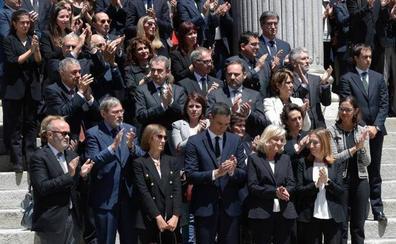 Emoción desbordada en la despedida a Rubalcaba con honores de Estado