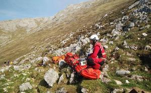 Rescatan a una francesa de 67 años herida mientras descendía de la zona del Urriellu