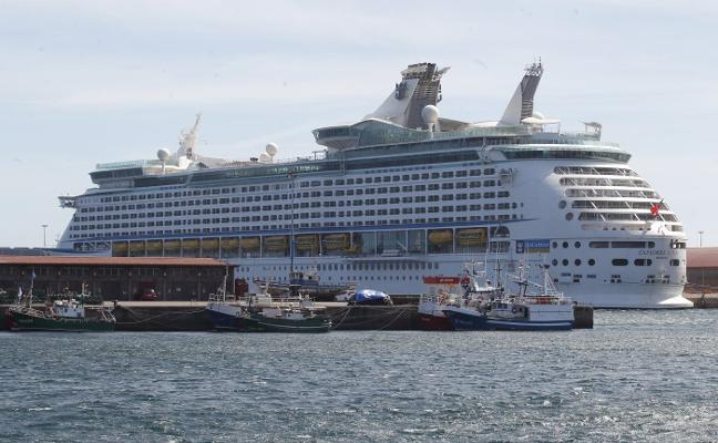 3.000 cruceristas en el 'Explorer of the seas'