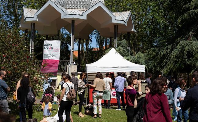 Avilés Acción estrena los pases matinales con la sección 'Iguales & diferentes'