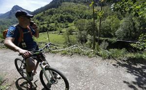La muerte de un ciclista en la Senda del Oso genera polémica