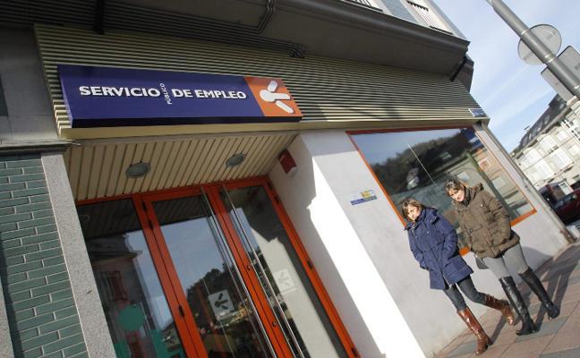 Más de 3.800 asturianos mayores de treinta años buscan su primer empleo