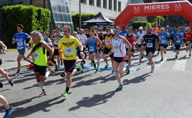 Raúl Bengoa y Jéssica López se coronan en la Iron Mieres 5 Kilómetros