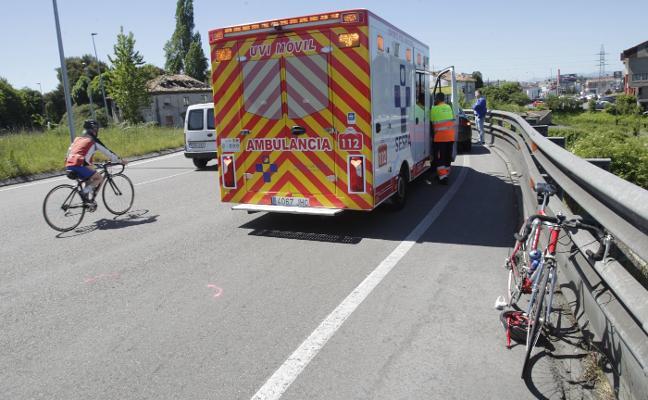 Un ciclista resulta herido al ser arrollado por un coche en la glorieta de Cerdeño