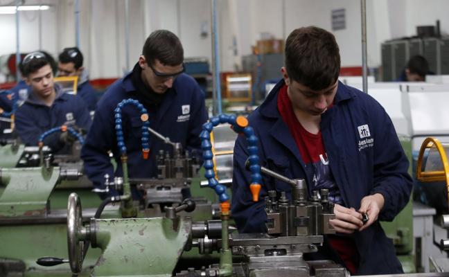 Los partidos fían a la I+D+i, la formación y los emprendedores la mejora del empleo