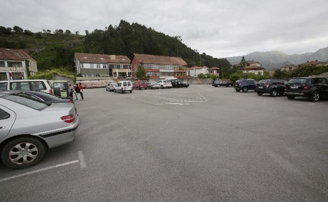 El aparcamiento en altura genera división de opiniones en el Ayuntamiento riosellano